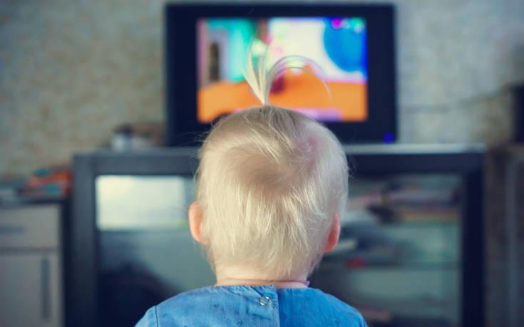 Η συνέπεια της παραμονής των μικρών παιδιών πολλές ώρες μπροστά σε οθόνες – Newsbeast