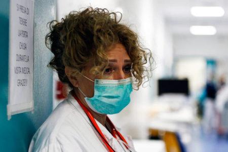 Στους 13.155 οι θάνατοι – Ένα ρομπότ πολύτιμος βοηθός των γιατρών – Newsbeast