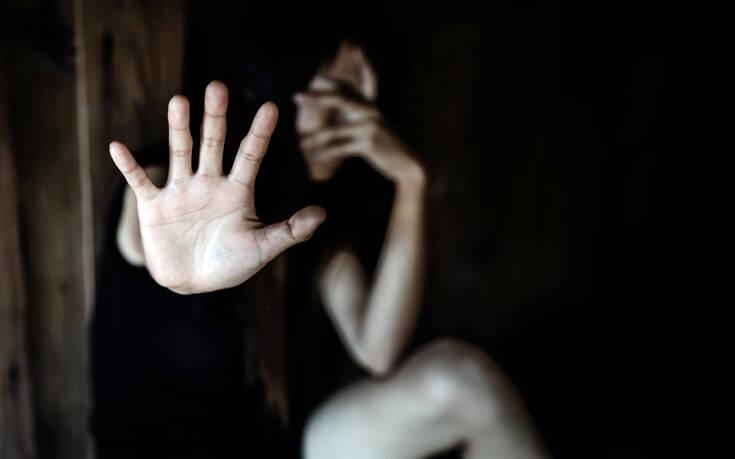 Πώς μπορούν να ζητήσουν βοήθεια στα φαρμακεία τα θύματα ενδοοικογενειακής βίας