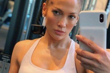 Μπορεί να είναι 51, αλλά σίγουρα μοιάζει με 30. Αυτά είναι τα 5 μυστικά διατροφής και ομορφιάς, της Jennifer Lopez - BORO από την ΑΝΝΑ ΔΡΟΥΖΑ